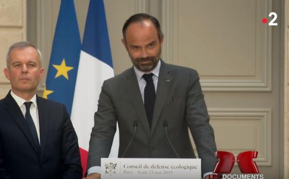 « L'effondrement a déjà commencé. Edouard Philippe le sait et en parle. Série de l'été » L'édito de Charles SANNAT