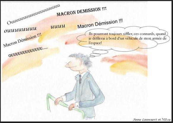 Pour Macron c'est l'armée qui a été sifflée !