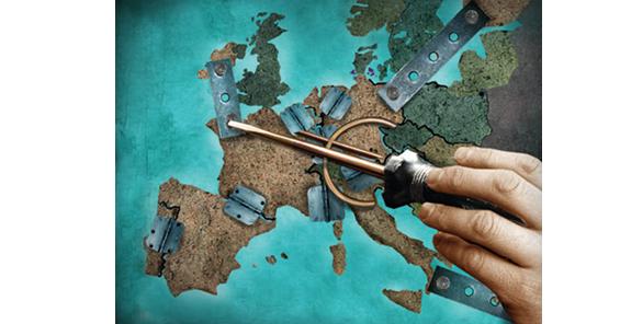 Macron: la zone euro doit changer ou mourir