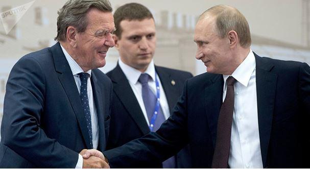 Rosneft : Gerhard Schröder refuse tout salaire pour son travail au conseil d'administration