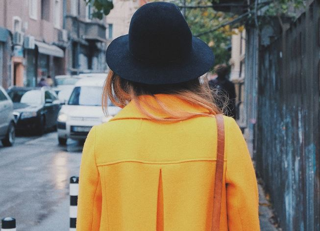Le manteau de la colère de la première dame à 3 600 euros