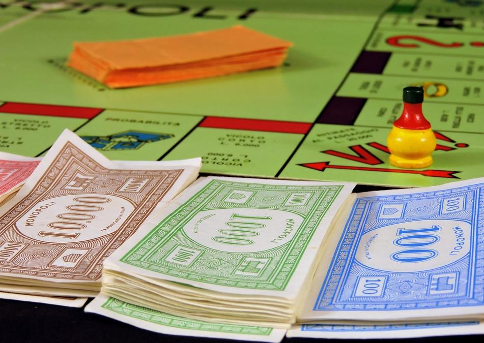 «Et si la BCE versait 150€ par mois à tout le monde? La nouvelle idée qui monte!!» L'édito de Charles SANNAT