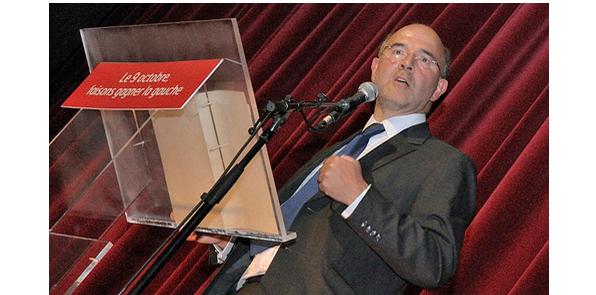 Moscovici s'est fait offrir des costumes de luxe