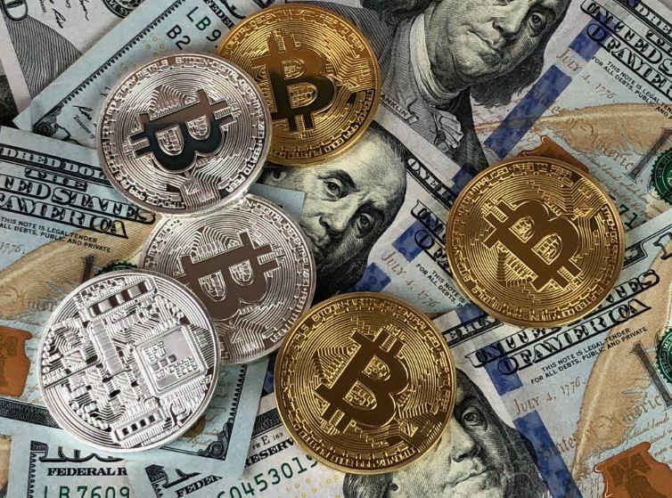 Le Bitcoin dépasse les 8 000 dollars !!