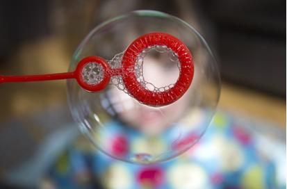 « Le prix Nobel Shiller voit des bulles partout ! Au lieu de la bulle de tout !! » L'édito de Charles SANNAT