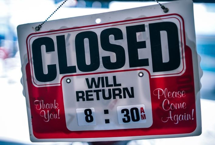 « Les commerces n'ont pas été fermés pour des raisons sanitaires !! » L'édito de Charles SANNAT