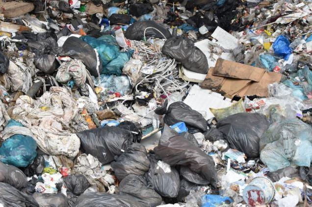 l'argent et le royaume de DIEU - Page 5 D%C3%A9charge-poubelles