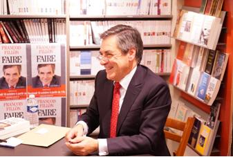Sondage : Le Pen devance Fillon mais ne l'emporterait pas au deuxième tour