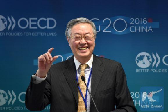 Sur le départ, le chef de la Banque centrale de Chine sonne l'alarme