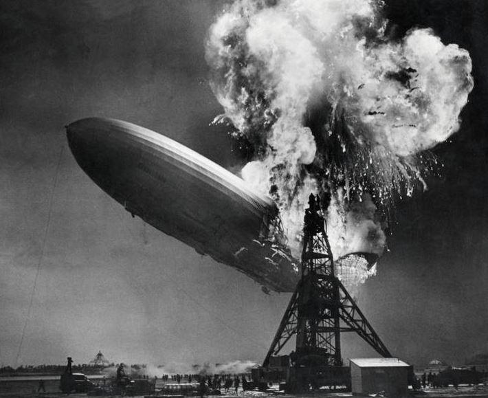 « Effondrement boursier. Le présage d'Hindenburg. Le krach arrive-t-il ?» L'édito de Charles SANNAT