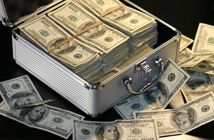 Le dollar? Notre monnaie, votre problème!