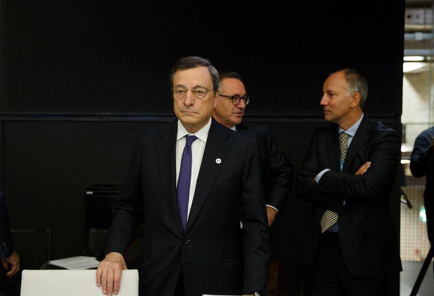 « La BCE va réduire son soutien à l'économie : les bourses sont euphoriques ! » L'édito de Charles SANNAT