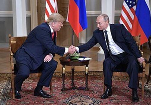 poutine trump rencontre sommet poignée de main relations Trump Poutine ldv