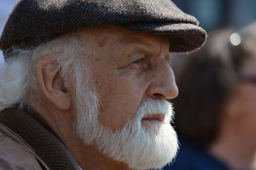 retraité barbe blanche rapport actifs retraités 1,7 actif pour 1 retraité faillite système de retraite