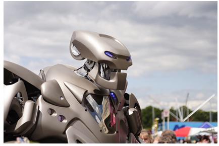 Robotisation et revenu universel : et s'il y avait d'autres solutions?