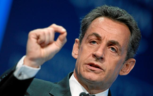 La rencontre Sarkozy-Poutine fait grincer des dents