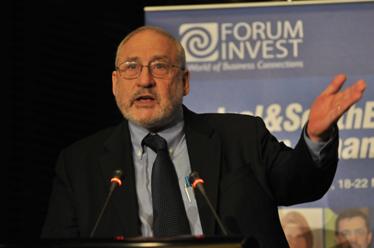 """Joseph Stiglitz : """"L'euro, au moins dans sa forme actuelle, est condamné"""""""