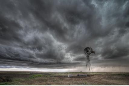« Avis de tempête : pourquoi le calme sur les marchés actions ne devrait pas durer ! » L'édito de Charles SANNAT