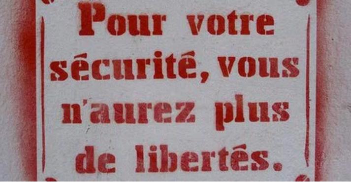 « Les masques tombent ! Le gouvernement menace d'interdire les manifestations contre la Loi Travail » L'édito de Charles SANNAT