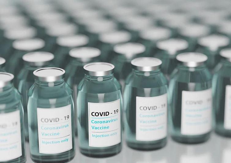 « Vaccins, l'OMS enquête sur les myocardites post-vaccination Pfizer !!! » L'édito de Charles SANNAT