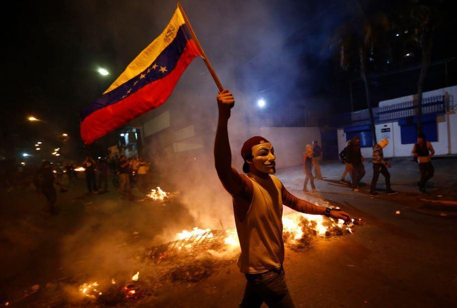 Le Venezuela déclaré en défaut de paiement partiel sur sa dette